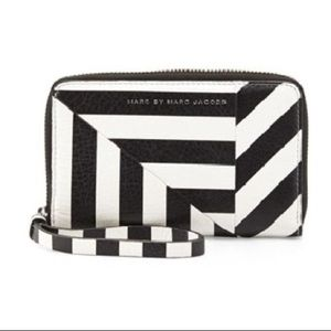 New Marc by Marc Jacobs Zip Around Leather Wallet